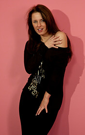 Tight Black Leggings On The Curvy Teen Kendra And Sportin A Whale Tale - Picture 2