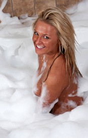 That Kendra Is A Dirty Girl And She Needs A Good Cleaning In A Bubble Bath - Picture 8