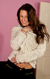 Busty Brunette Kendra In A Cream Sweater And Skin Tight Black Jeans - Picture 3