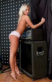 Jam Session With A Busty Naked Blonde - Picture 16