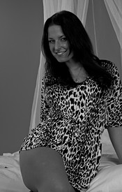 Kendra Rains In Black And White And Looking Sexy As Hell In Her Leopard Dress - Picture 2