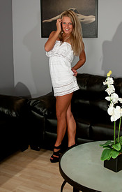 Kendra Looks Hot As Hell In Strappy Heels And A White Dress - Picture 1
