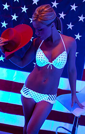 Madden Is Psychedelic In Her Polka Dot Bikini Wishing Everyone A Happy 4th Of July - Picture 4