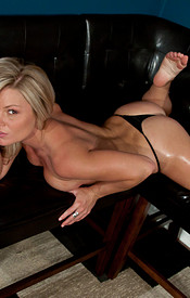 Tight Bodied Blonde Madden Drizzling Oil All Over Her Body - Picture 12
