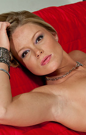 Madden Is Perfection In This Black Corset And Sheer Thong - Picture 12
