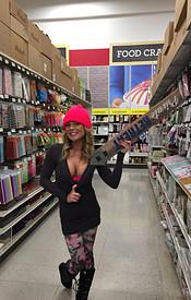 Preview Meet Madden - Christmas Shopping