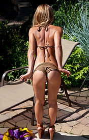 Madden Gets Naked In The Pool And Relaxes In The Water - Picture 4