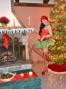 Merry Christmas From The Naughty Elf Sabrina Sins - Picture 1