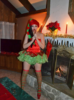 Merry Christmas From The Naughty Elf Sabrina Sins - Picture 9