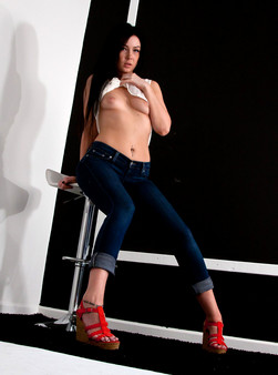 Tight Jeans And A Tight Pussy On Teenage Babe Sabrina Sins - Picture 2