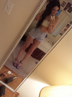 Sabrina Sins Sexy Taking Selfies - Picture 9