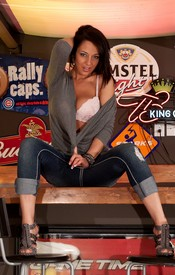 Nikkis Got Pump Love On The Bar, Showing Off Her Powerful Ass And Big Tits - Picture 3