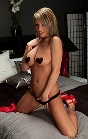 Red Fuck Me Pumps On The Busty Blonde Nikki - Picture 11