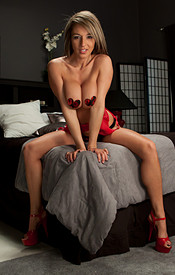 Red Fuck Me Pumps On The Busty Blonde Nikki - Picture 9