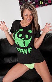 Busty Hottie Nikki Goofin Around With Her Wwf Shirt On And Doin Cartwheels In Her Bra - Picture 3