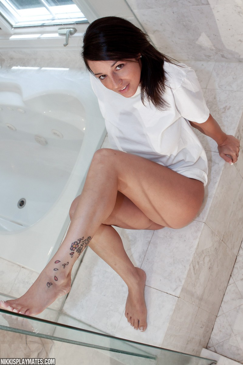 http://www.pinkvelvetvault.com/galleries/nikki/NikkiWetTShower/1.jpg