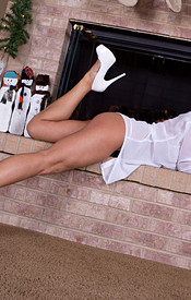 Nikki Looking Good In White Silk And Heels With A Lace Bra And Panties - Picture 5