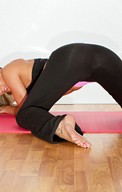 Sexy Flexible Nikki In Her Yoga Outfit. Big Boobs Bending Over And Tight Ass In The Air - Picture 4